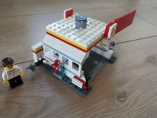 Lego 40195 Racers FerrariShell Station (2014)- 100% complete incl instructions