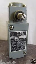 Nice Allen Bradley 802T-AMP SERIES F Oil Tight Plug-In Maintained Limit Switch