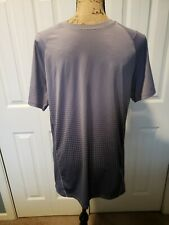 Under Armour Heatgear Mens Size Medium Fitted Short Sleeve Athletic Top