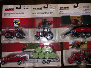 Ertl - Case 1/64 Set 5 Pcs. Dodge Pickup With Trailer & Bales