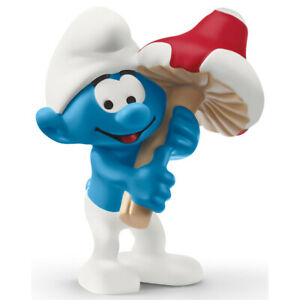 Schleich Smurf with Good Luck Charm Figure 20819 Smurfs Collectable Figures 3+
