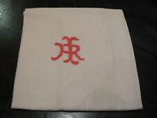 ancien monogramme IR rose brodé sur serviette coton