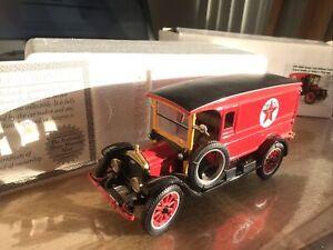 1920 Large TruckTEXACO  1/32 COA Nat Museum Re A74