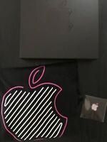 Apple Store Shinjuku Japan Limited Open Memorial Goods T-shirt Pin Rare