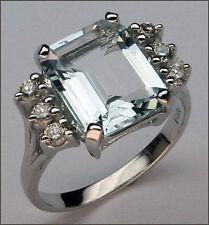 Aquamarine Ring with Diamonds - 14kt