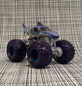 Galaxy Megalodon With CUSTOM 3D Printed Chassis 4 Spin Master Monster Jam