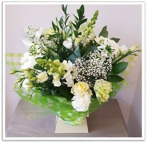 FRESH REAL FLOWERS  Delivered Classic Bouquet Free Flower Delivery