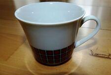 Winterling KIRCHENLAMITZ  Bordüre rote Punkte schwarze Quadrate Kaffeetasse