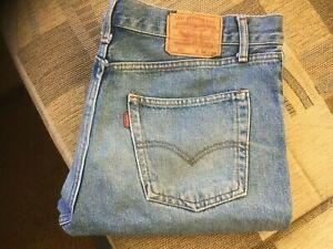 Vintage Levis 501 XX Made USA blue straight leg denim jeans high rise W 34 L 32