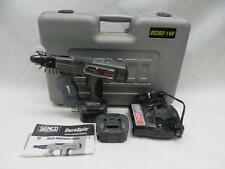 Senco Duraspin Ds202-14V Auto Self Feed Drywall Sheet Rock Screw Driver Gun Kit