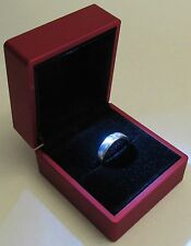 RED LED Lighting Jewelry Engagement Wedding Ring Gift Box BR00011