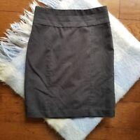 H&M Modern Classic Pencil Skirt Size 10 Lined Back Slit Career Wear Gray