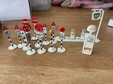 Dinky Toys - Road Signs, Petrol Pumps - Rare originals
