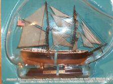 Collection De Maquettes De Bateaux MARY CELESTE en plastique et bois