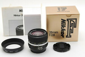 🌸[MINT IN BOX] Nikon Ai-s Nikkor 28mm F/2.8 AIS MF Wide Lens w/Hood Japan