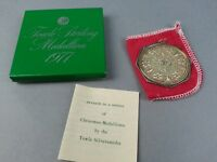 TOWLE 1977 Sterling Silver Medallion Christmas Ornament w/ Box