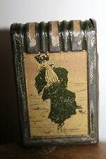 boite tôle tin box pyrogène allumette art nouveau patin à glace harpe livre