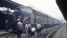 HO IHC #5882 PRR Brunswick Green 5 stripe E-8 Diesel Locomotive  Set Pwrd &Dumy