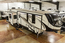 New 2018 372LOK Mid Bunkhouse Luxury 4 Season 5th Fifth Wheel Outdoor Kitchen