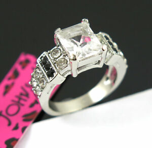 Square White Gemstone White Colour Betsey Johnson Dlicate Women Ring Size 9