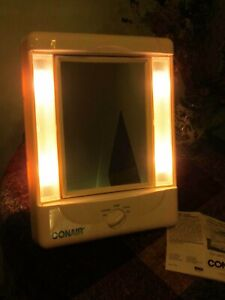 Conair Two-Sided Lighted Makeup Vanity Magnifying mirror 4 Light Settings White