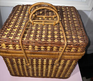 Large Vintage Woven Square Wicker Picnic Storage Basket With Lid and Handles