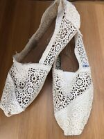 NEW TOMS Cream White Lace Crochet Size UK 4.5 US W6.5 Slip On Espadrille Pumps