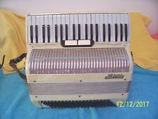 White Nobility Accordion 2&4 reeds Noble Accordian in Good condition decorated