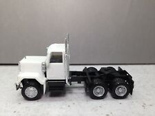 HO 1/87 Promotex # 15234 GMC Short 2 axle Day Tractor - White