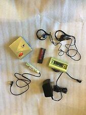 Sharp MD-DS5-G personales Minidisc player y mando a distancia, soporte, paquete de la Batería, Cargador