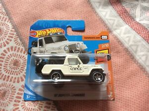 Hot Wheels Hot Trucks - '67 Jeepster Commando