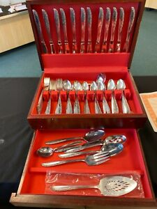 1960 s Wm. A. Rogers AA Oneida Ltd, 91 pc  Flatware Set