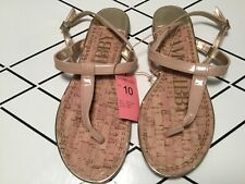 Sam & Libby Kamilla NEW Nude Patent Thong Sandals  Gold Accents size 10