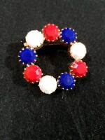 VINTAGE ESTATE PATRIOTIC JULIANA MILK GLASS RED WHITE BLUE WREATH BROOCH PIN