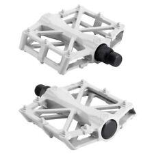 Pedales blancos para bicicletas BMX