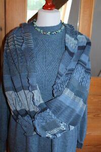 INVERO Loop Zita ; Jeans (blau Töne), Merino extra fein; Neu