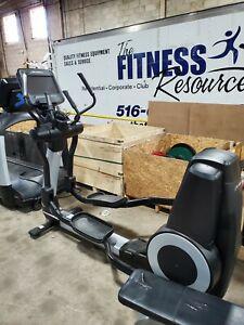Life Fitness Discover SE3 Elliptical - Cleaned & Serviced
