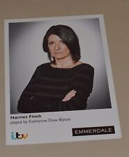 HARRIET FINCH-KATHERINE DOW BLYTON ITV EMMERDALE UNSIGNED CARD - MINT CONDITION