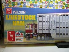 WILSON LIVESTOCK VAN TRAILER  AMT 1:25 SCALE PLASTIC MODEL KIT