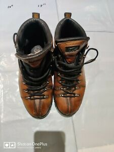 Nike ACG Mens Boots size 7