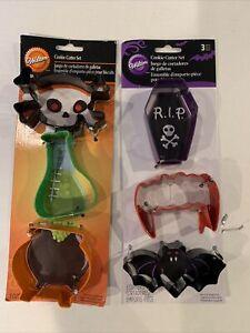 Halloween Cookie Cutters Wilton Metal teeth bat skull couldron beaker casket NWT