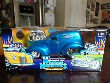 1940 FORD SEDAN DELIVERY 1/18 MUSCLE MACHINES