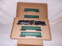 AMERICAN FLYER 21084 ENGINE & PASSENGER SET IN CUSTOM BOX LOT #F-99
