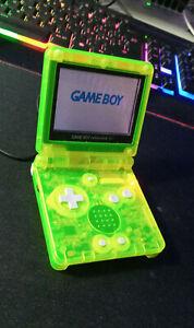 Game Boy Advance SP Completo di Astuccio e Caricatore Nintendo + Pokemon Green