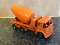 VINTAGE LESNEY MATCHBOX No.26B FODEN CEMENT MIXER ORANGE VGC FOR AGE