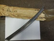 NOS 1970 FORD MUSTANG COUPE CONVERTIBLE VERTICAL WEATHERSTRIP RETAINER RH