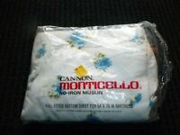 NOS Vtg Cannon Monticello Full Fitted Sheet Blue Daisies 50/50 Muslin