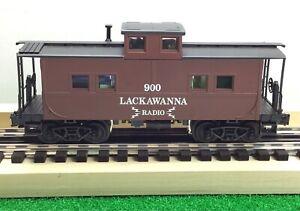 Weaver Ultra Line Train Car / 1:48 Lackawanna NY Radio Red Caboose #900 / O 3R