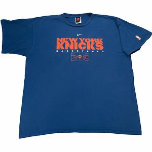 "New York Knicks Men's 2XL T-Shirt Blue Nike Team Short Sleeve NBA Cotton 29.5"" L"