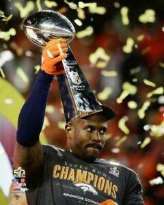 VON MILLER Super Bowl 50 MVP Holding Lombardi Trophy 8X10 PHOTO Denver Broncos